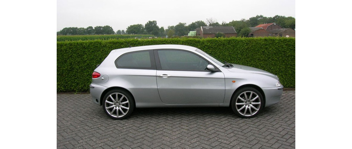 alfa-romeo-147-2-projecten-ramen-blinderen-glascoating-someren.jpg